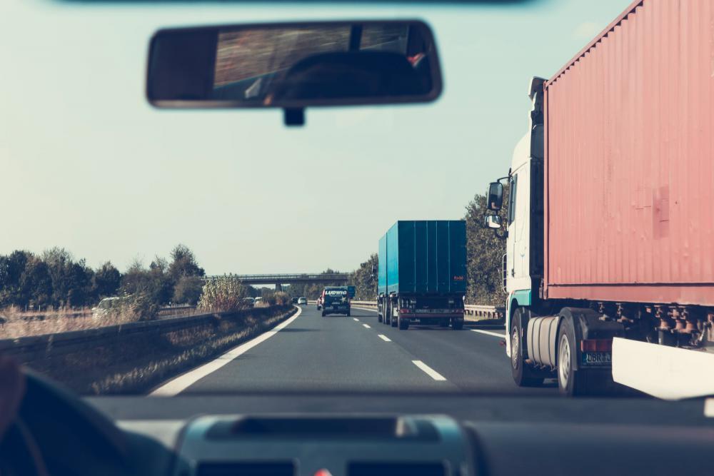 Szukamy podwykonawców, z własnymi ciągnikami siodłowymi (najlepiej z kompresorem). Oferujemy w dzierżawę naczepy typu cysterna spożywcza oraz ładunki w transporcie krajowym i międzynarodowym. Tel. 34 361 63 98 e-mail biuro@stando.com.pl