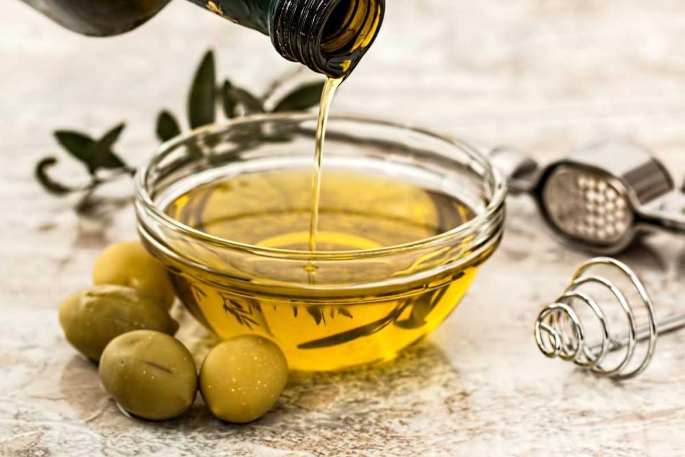 Posiadamy bogate doświadczenie w transporcie rafinowanego oleju spożywczego różnych rodzajów oraz olejów specjalistycznych a także artykułów spożywczych.