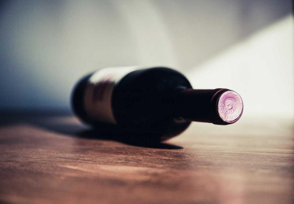 Większość wina przewożona jest bowiem w szklanych butelkach lub jeszcze przed jego butelkowaniem.